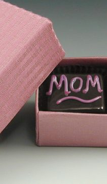Chocolates-of-Glass-Love-your-Mom-Gift-Box