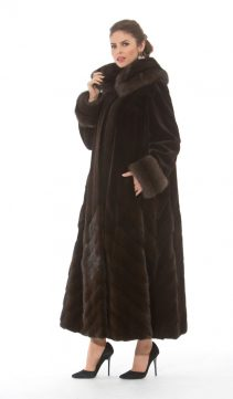 women-sable-coat-289216